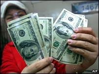 _44183359_moneycount1_ap