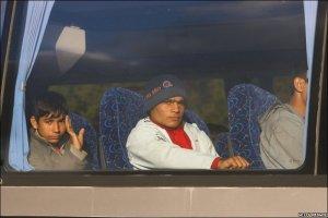 calais on the bus